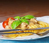 Pasta spaghetti with bolognese sauce and basil — Stock Photo