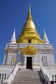 Stupa doré, temple à chiang rai, Thaïlande — Photo