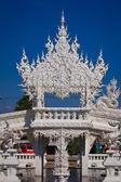 Belo templo branco, rong khun templo, chiangrai tailândia. — Foto Stock