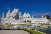 Piękny biały świątyni, świątyni rong khun, chiangrai, tajlandia. — Zdjęcie stockowe