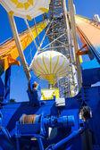 Ferris wheel with blue sky. — Stockfoto