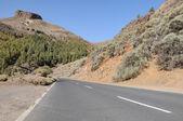 Route vide dans les montagnes — Photo