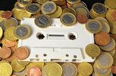 Conceito de dinheiro e música — Fotografia Stock