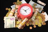Czas jest koncepcja pieniądza — Zdjęcie stockowe