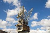 Ročník dřevěná přístavní jeřáb — Stock fotografie