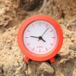 Red Clock Near the Ocean — Foto de Stock