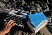Vintage black and white Travel Typewriter — ストック写真