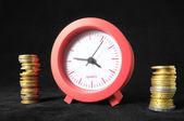 Temps est le concept d'argent — Photo