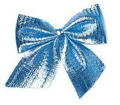 Blauwe geschenk buigen geïsoleerd op witte achtergrond — Stockfoto