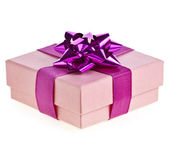 Pink gift box with lilac ribbon bow isolated on white — Foto Stock