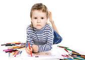 Roztomilý chlapec kreslení domu, izolovaných na bílém pozadí — Stock fotografie