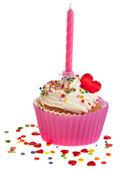 白い背景の上キャンドルで誕生日ケーキ — ストック写真