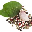 Fresh bay laurel leaf with peppercorn and garlic isolated on white — Stock Photo