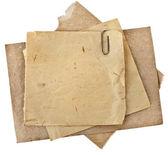 Starych arkuszy papieru dla list z klipu na białym tle — Zdjęcie stockowe