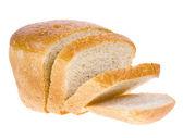 Pão de trigo redondo isolado no fundo branco — Fotografia Stock