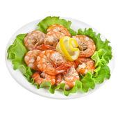 Beyaz izole bir salata marul üzerinde taze karides — Stok fotoğraf
