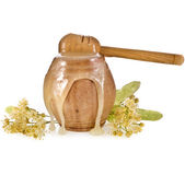 Lipa miód płynący w brzoza baryłkę i miód kij — Zdjęcie stockowe