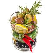Olivy jídlo se zeleninou — Stock fotografie