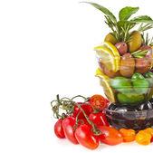 Oliver maträtt med grönsaker — Stockfoto