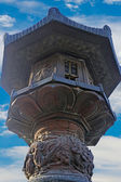 Large bronze lantern post Seoraksan Korea. — 图库照片