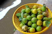 Lemon fruit in the floating market — Stock Photo