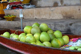 Grapefruit in the floating market — Stock Photo