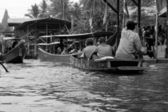 Lifestyle Damnoen Saduak Floating Market - Thailand on 30 Decemb — Stock Photo