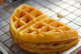 Sweet waffles at the market. — Stock Photo