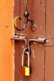 Key lock gates wood vintage — Stock Photo
