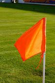 Campo de futebol de bandeira laranja — Foto Stock