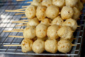Grilled meatballs in the market — Foto Stock