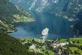 Cruise ship in Geirangerfjord — Stock Photo