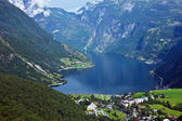 Cruise liner in Geiranger sea port, Norway — Stock Photo