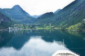 Cruise ship going to Geiranger. — Stock Photo