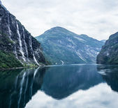 Waterfalls in Geiranger fjord, Norway. — Stock Photo