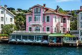 イスタンブール, トルコ - 海の正面の家 — ストック写真