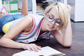Cute blonde student girl — Stockfoto