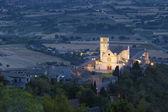 Basilica San Francesco of Assisi at evening — Stock Photo
