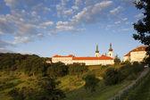 Mosteiro de strahov no nascer do sol, praga, czech republic — Fotografia Stock