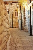 Old and narrow Mediterranean street — Stock Photo