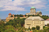 View of an Esztergom Basilica from the Saint Thomas chapel hill, Hungary — Stockfoto