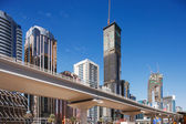 Uzun boylu kuleleri ve şeyh zayed yolu yeni bir metro hat — Stok fotoğraf