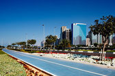 New cycle lanes of the popular Abu Dhabi Corniche development — Foto Stock
