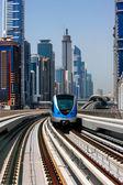 The Dubai Metro runs sum 40 km along Sheikh Zayed Road — Stock Photo