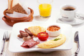 A traditional breakfast — Stock Photo