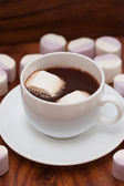 White mugs with hot chocolate and marshmallows — Stock Photo