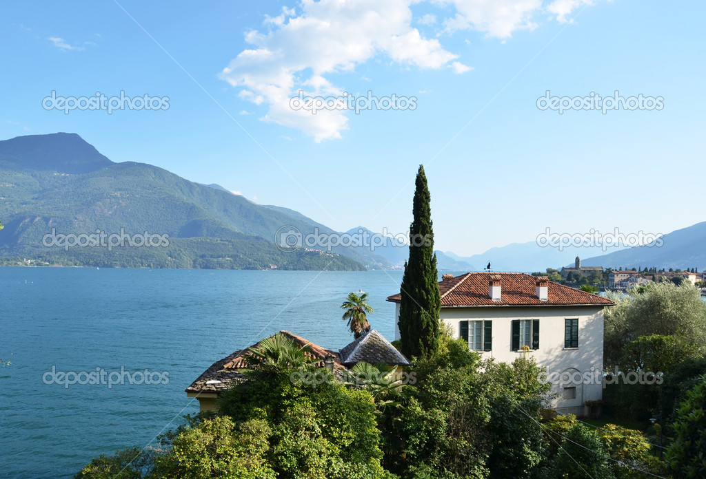 Gravedonna town at the famous Italian lake Como  — Stock Photo #19576439