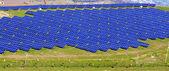 Wirh fotovoltaik paneller yatay — Stok fotoğraf
