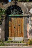 Antigua puerta — Foto de Stock