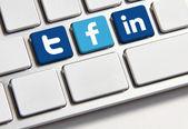 Facebook Twitter and Linkedin keyboard — Stock Photo